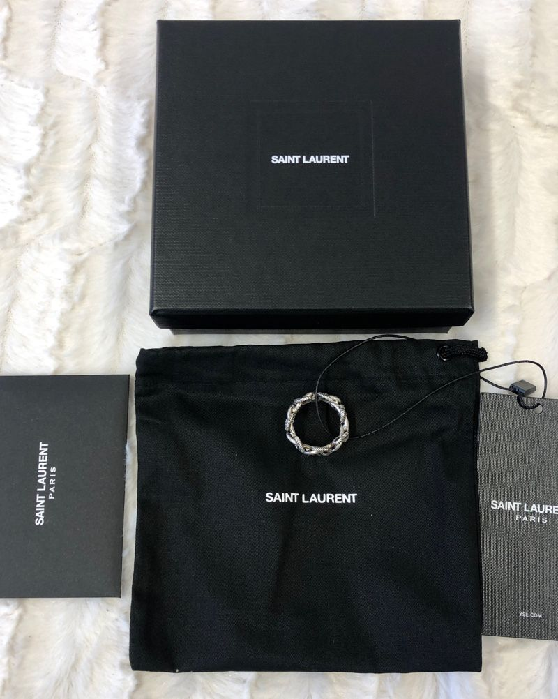 SAINT LAURENT Segelknoten-Ring aus Metall OXIDIZED SILVER 633024Y15008142