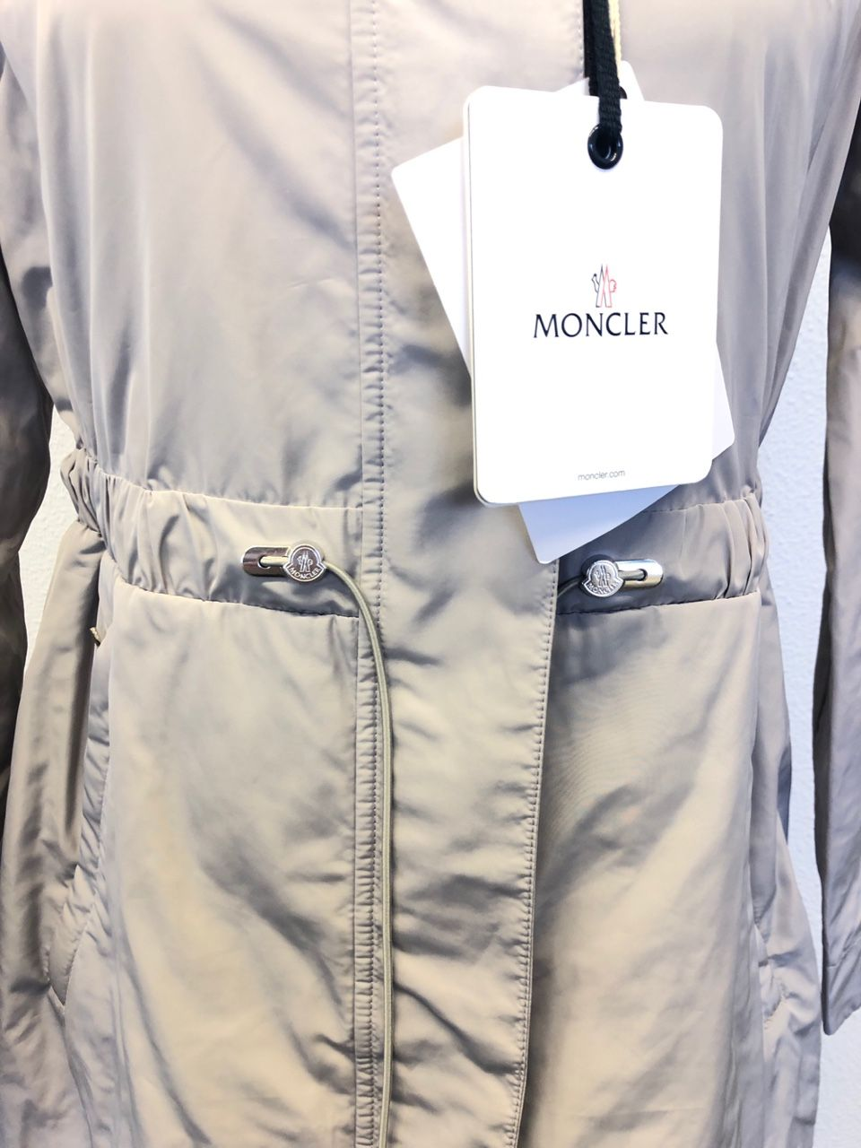 Moncler MALACHITE fuer Damen Grey 10516758728656230